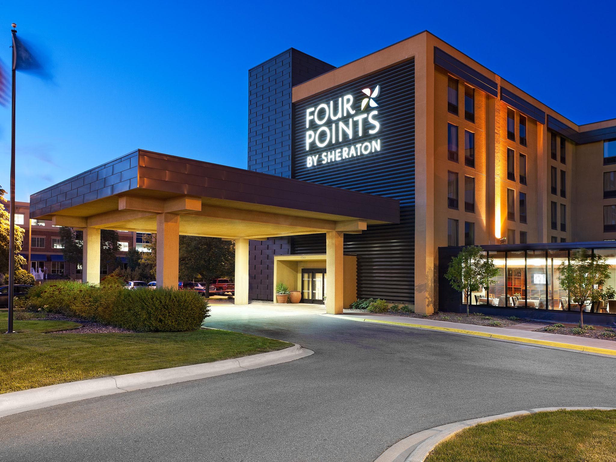 Hotels Near Minneapolis Airport Four Points Mall Of America